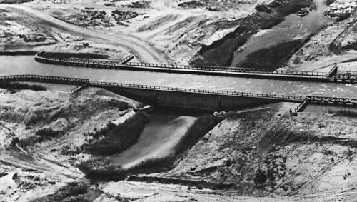 Акведук через селевое русло на Каракумском канале.