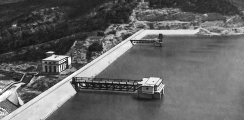Общий вид водоприёмника плотины «Ал. Стамболийский». Болгария.