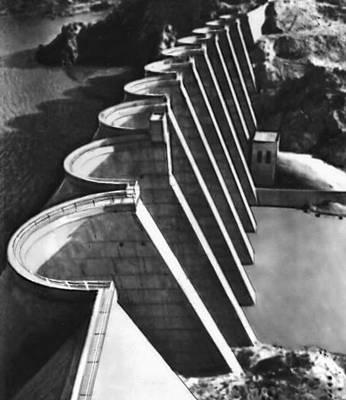 Многоарочная плотина Бартлет. США.