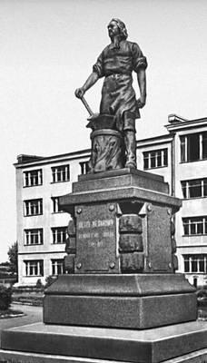 Памятники тула фото 4 кв м памятники уфа цены до 15000
