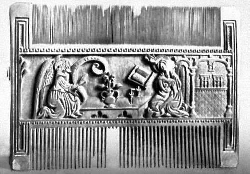 Декоративно-прикладное искусство. Костяной гребень с резным «Благовещением». Испания. 15 в. Национальный музей археологии. Мадрид.