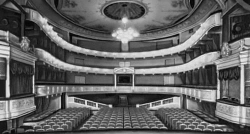 Зрительный зал Малого театра.