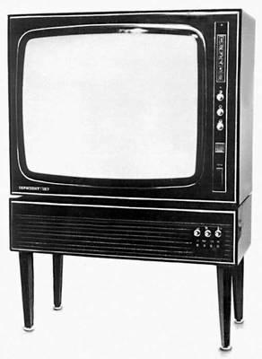 Помните советские телевизоры.  Чтобы они работали, нужно было подойти и кааак хлопнуть...