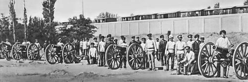 Артиллерия Главных железнодорожных мастерских Ташкента, принимавшая участие в боях за Советскую влать.