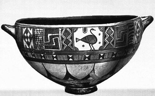 Древнегреческая ваза геометрического стиля