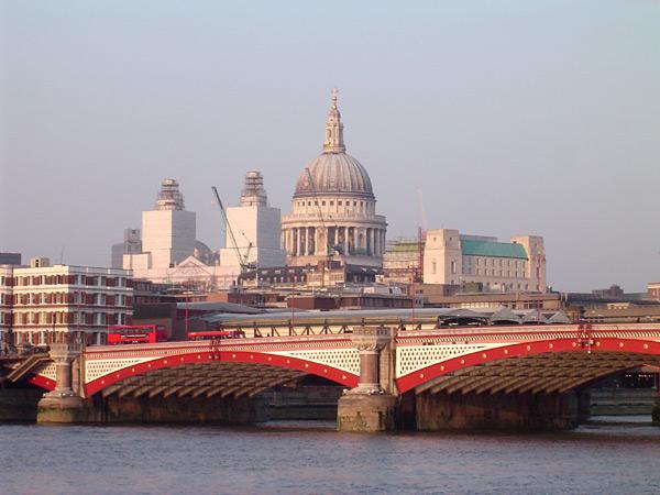 Blackfriars_Bridge__River_Thames__London__with_St_Pauls_Cathedral.jpg