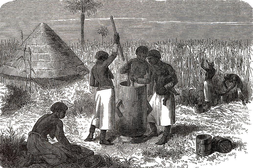 Женщины, растирающие сорго
