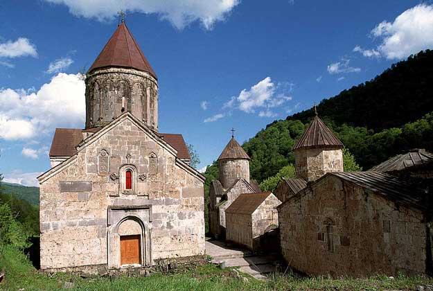 МОНАСТЫРЬ 13 в. в Дилижане (Армения)