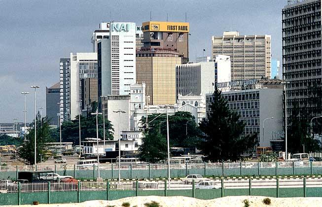 ЛАГОС - бывшая столица и крупнейший город Нигерии