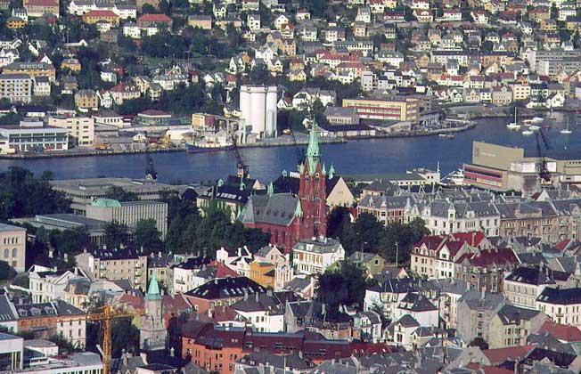 БЕРГЕН - главный порт Норвегии на побережье Атлантического океана