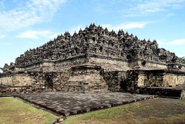 Буддийское святилище Боробудур (504 статуи Будды), о.Ява, Индонезия.  Картинка 57.