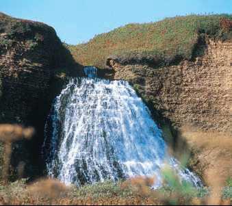 Каскад водопадов на Командорских островах