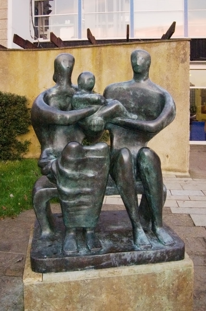 Family Group (1950) bronze