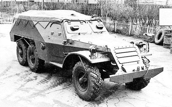 Правда, большинству этот БТР запомнился в киношном качестве, в роли немецких бронемашин БТР-152 снялся почти во всех...