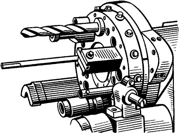 Револьверная головка с инструментом.
