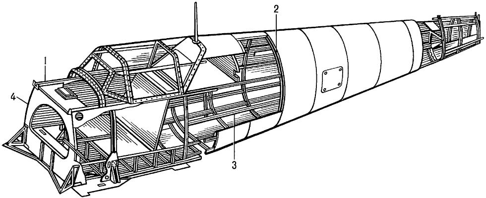Фюзеляж балочно-лонжеронной конструкции.