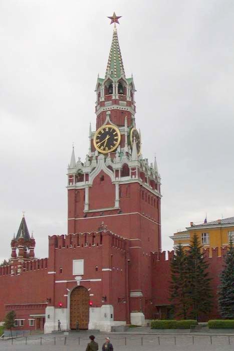 Расположение достопримечательности Московский Кремль на карте России