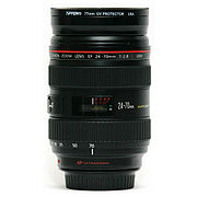 Canon 24-70 mm F2.8 lens side at 70 mm.jpg