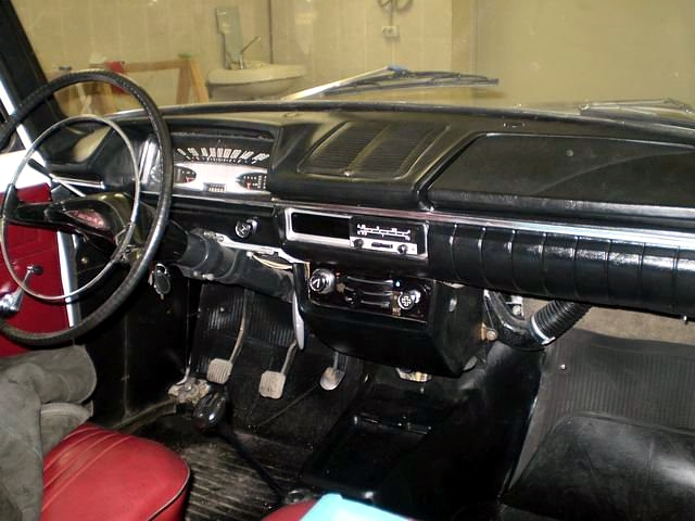 1974_Moskvitch-412IE_interior.jpg