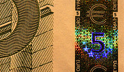 EUR 5 holographic band.jpg