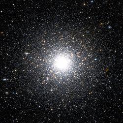 Messier 54 Hubble WikiSky.jpg
