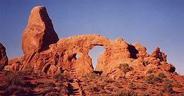 Башенка turret arch национальный парк