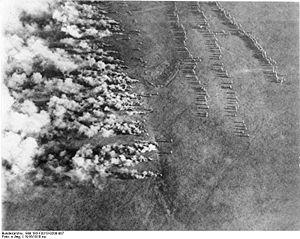 Bundesarchiv Bild 183-F0313-0208-007, Gaskrieg (Luftbild).jpg