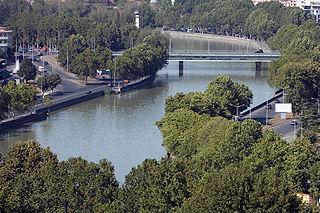 Река Кура (Мтквари) в Тбилиси