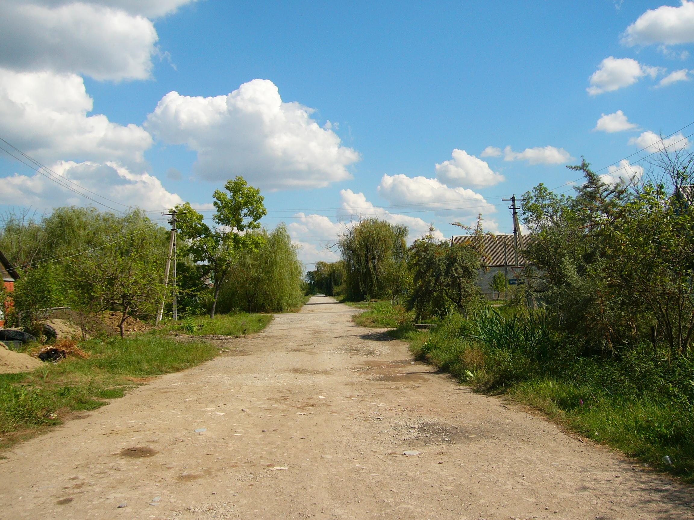 Многие улицы в поселке афипский не