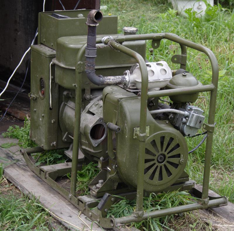 с двигателем УД-15Г