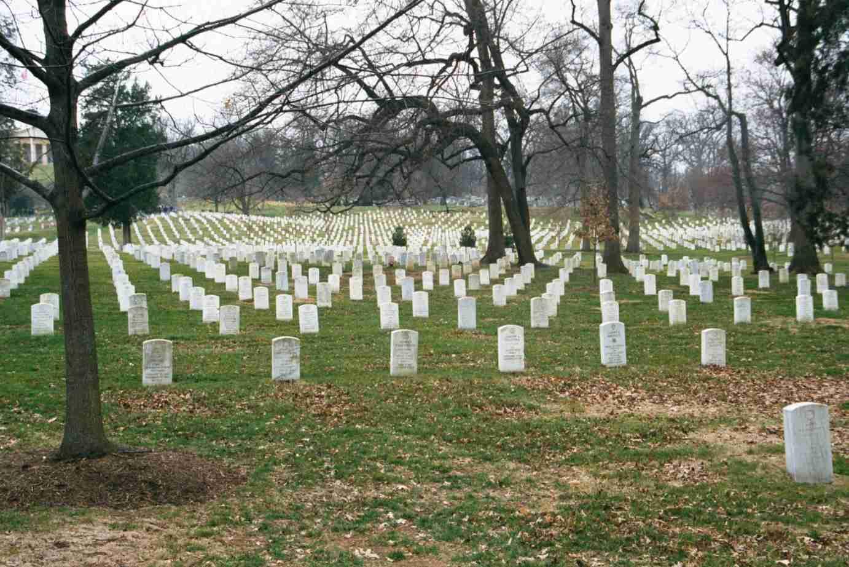 Arlington_Cemetery.jpg