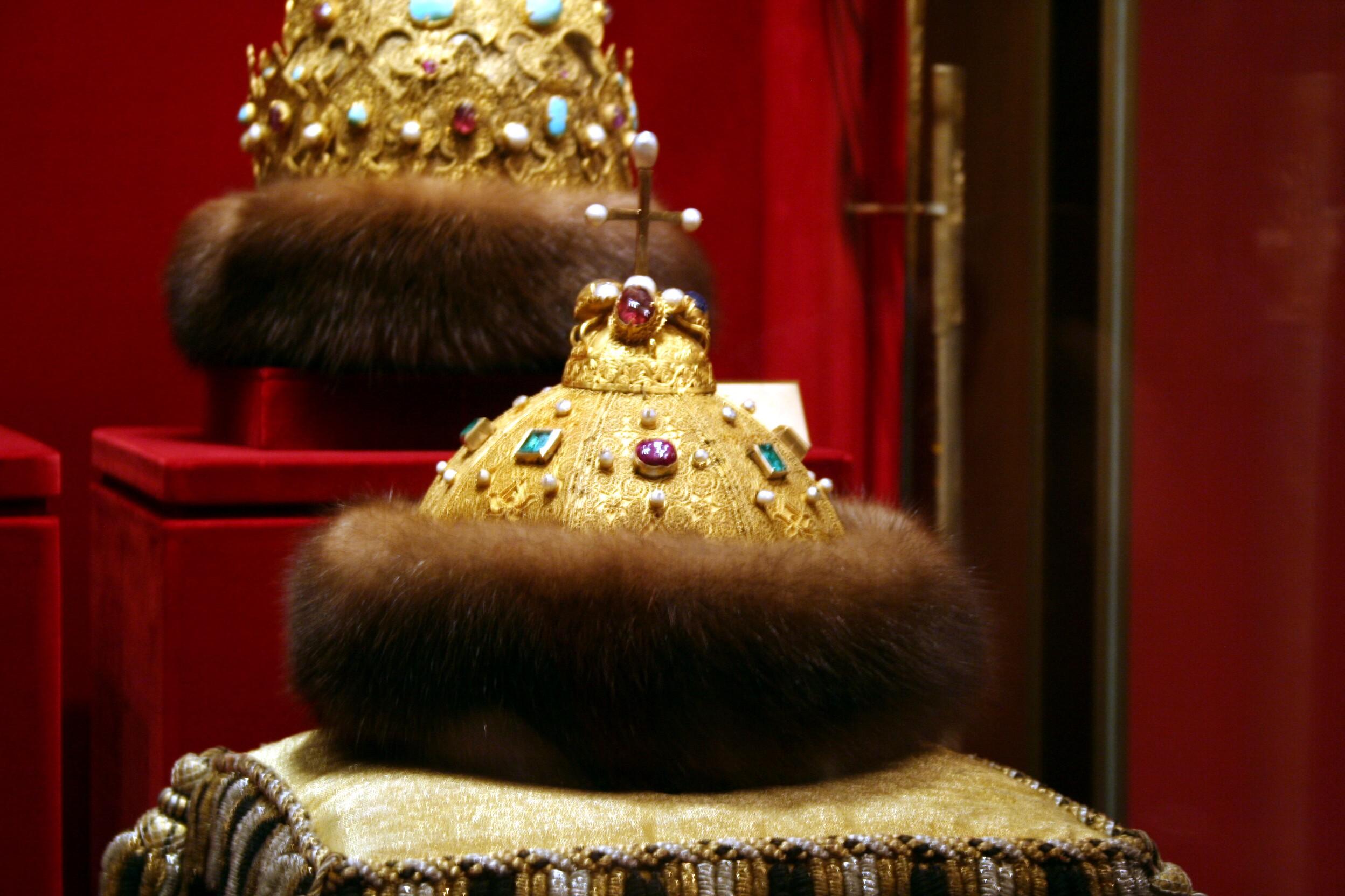 Стоимость шапки мономаха монета серебро 100 рублей