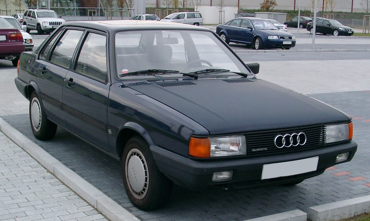 http://dic.academic.ru/pictures/wiki/files/65/Audi_80_B2_front_20071023.jpg