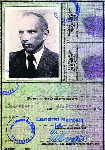 Картинки по запросу Бандера в концлагере