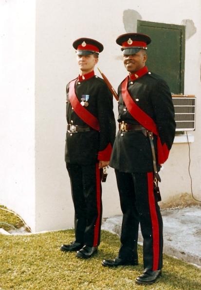 Два уорент офицера бермудского полка