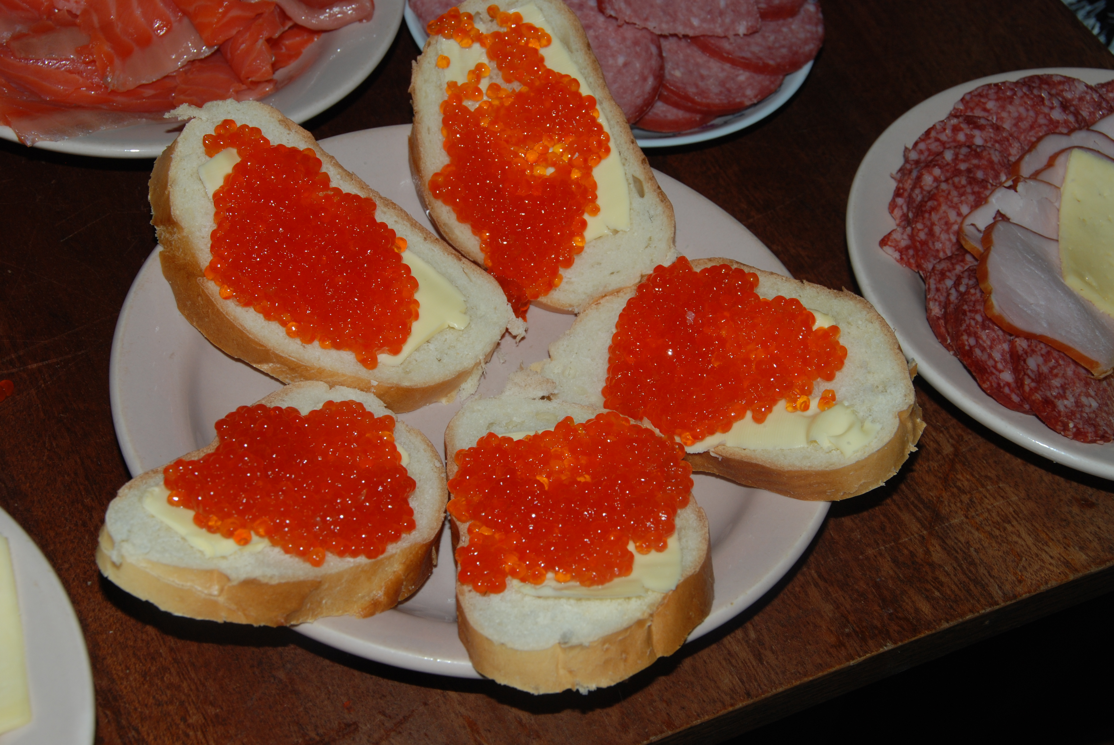 http://dic.academic.ru/pictures/wiki/files/67/Caviar_butterbrot.jpg
