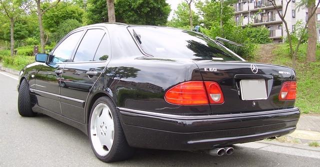 BMW E38 Club - BMW танцует на кладбище мерседесов!!!