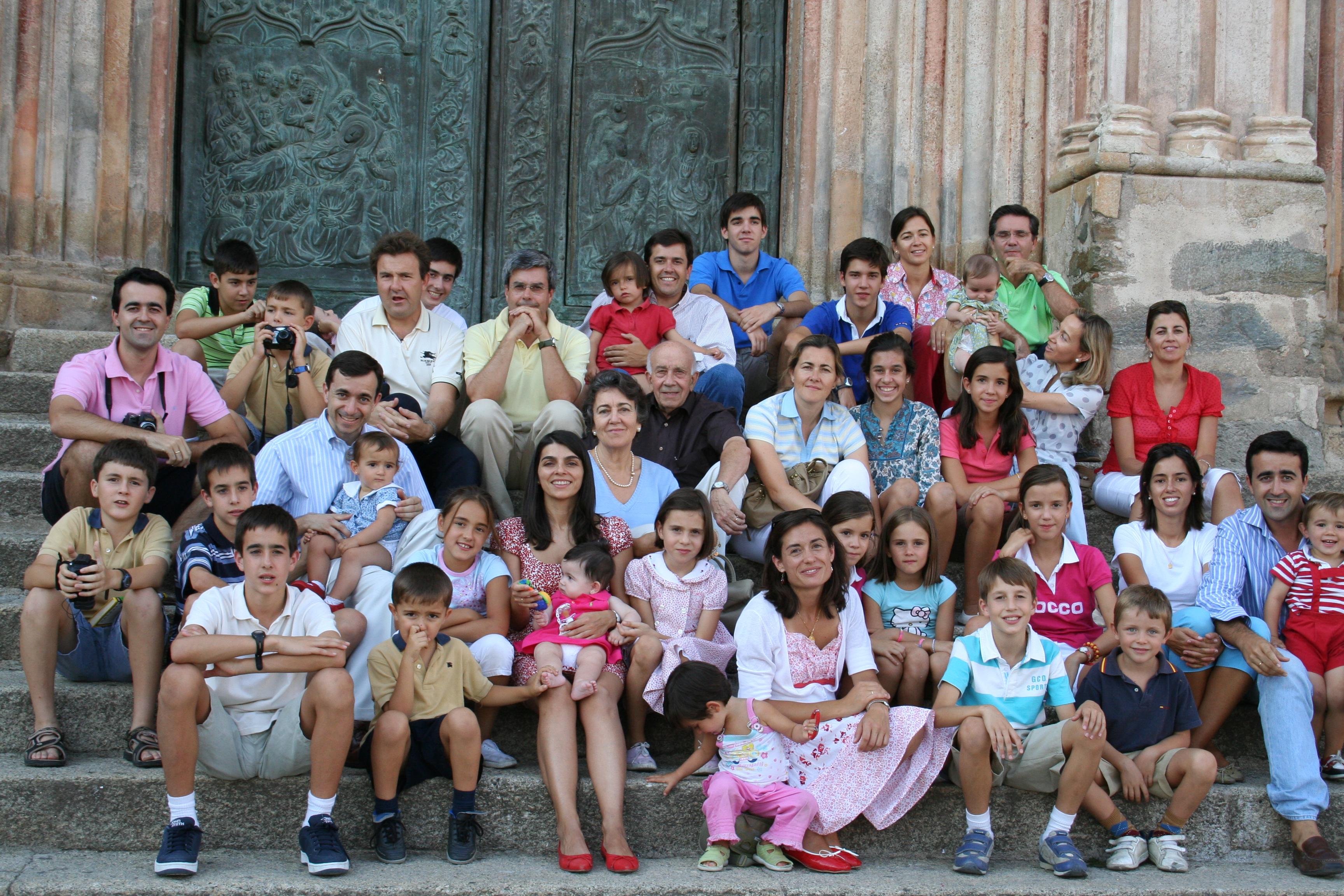 Картинки по запросу фото многодетная турецкая семья