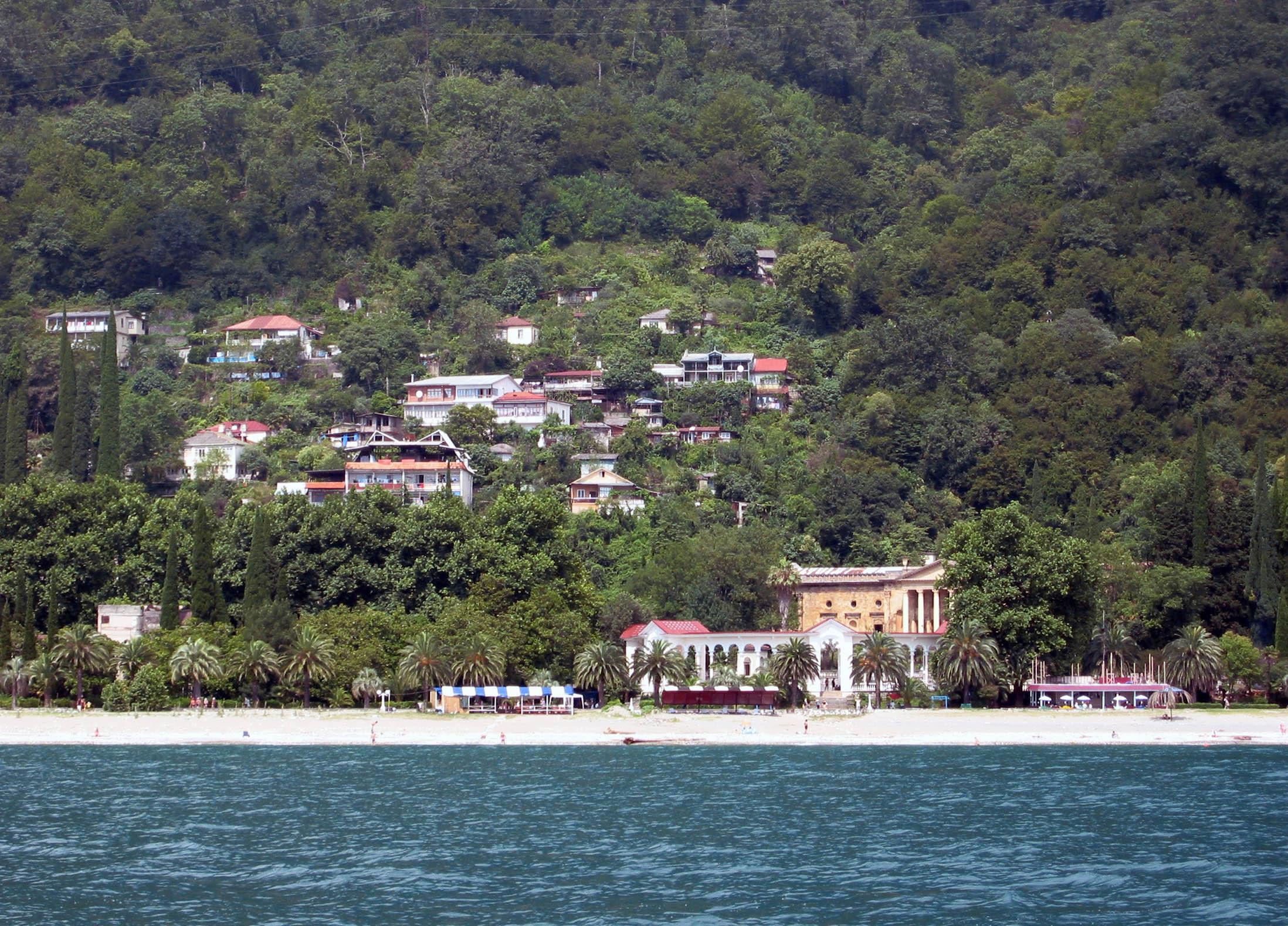 Туризм в Абхазии - это... Что такое Туризм в Абхазии?: http://dic.academic.ru/dic.nsf/ruwiki/692272
