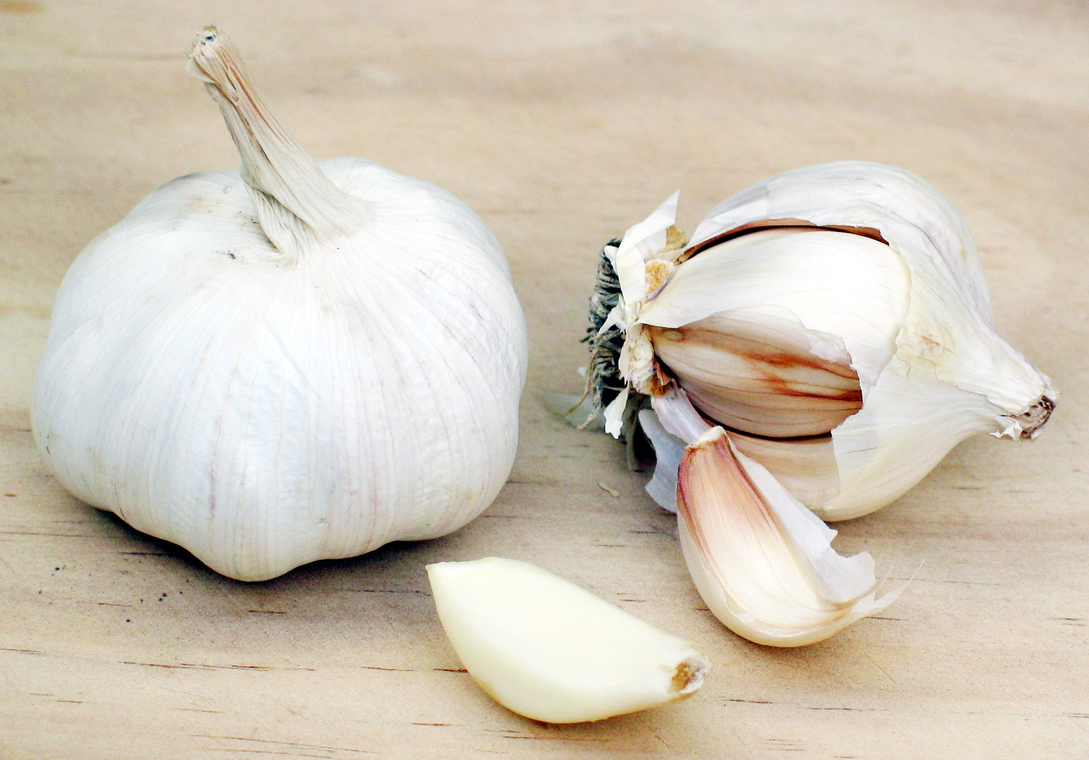 http://dic.academic.ru/pictures/wiki/files/71/Garlic.jpg