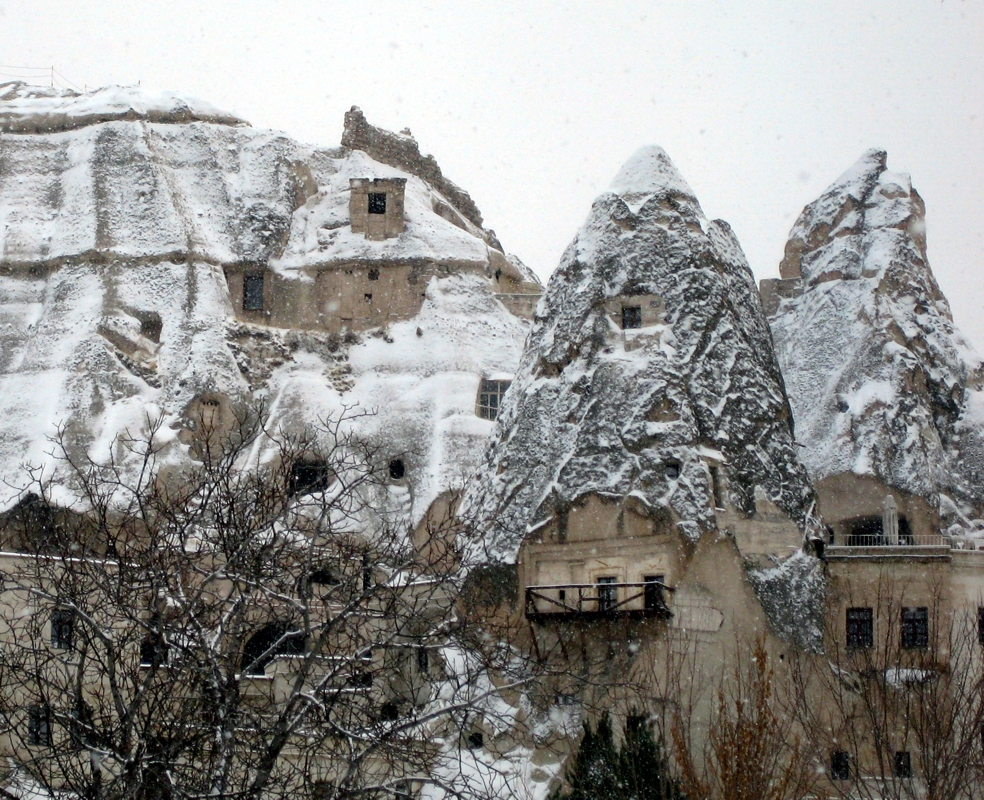 http://dic.academic.ru/pictures/wiki/files/71/Goreme_city.jpg