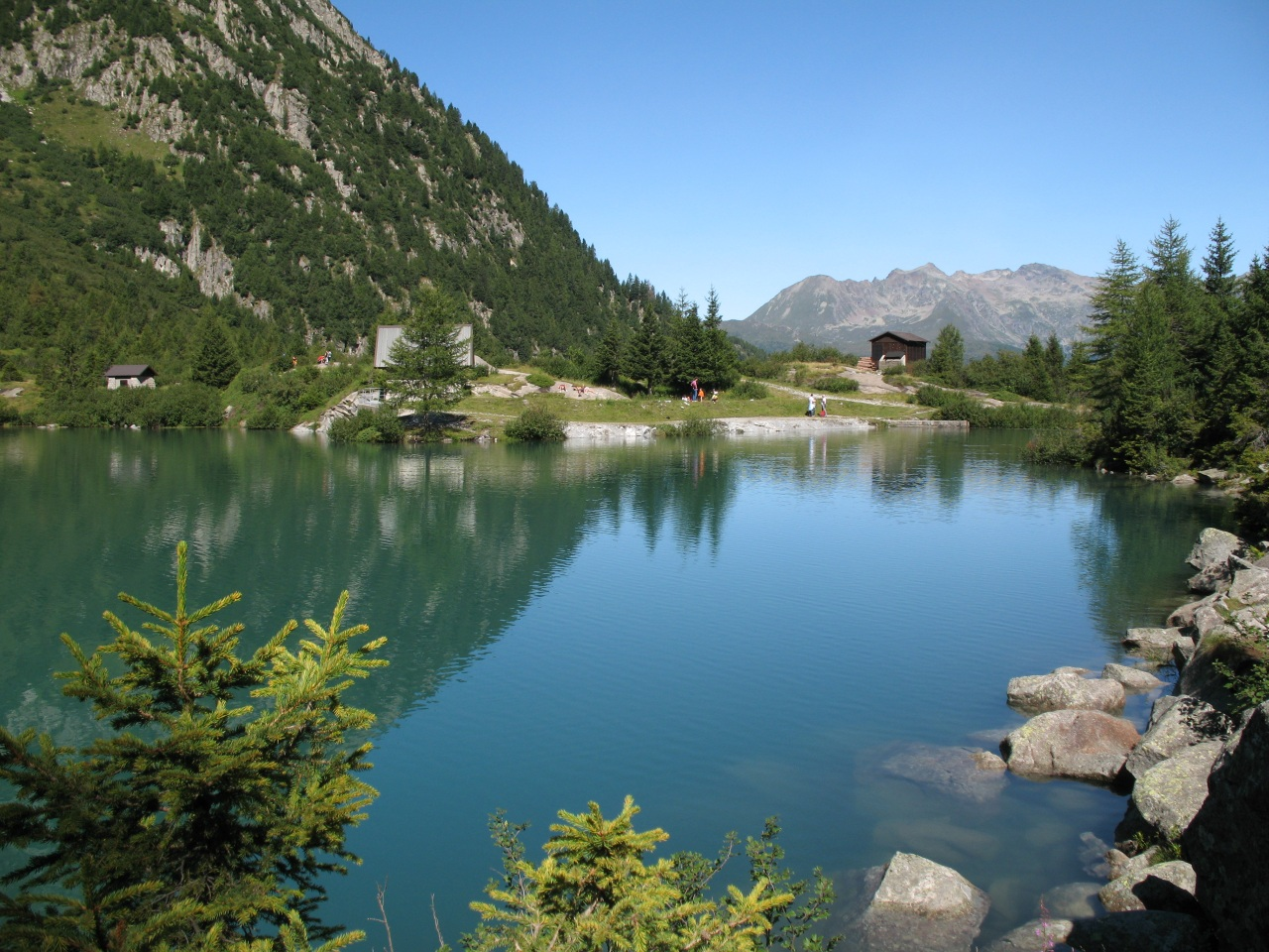 http://dic.academic.ru/pictures/wiki/files/73/Italian_Alps-Mountain_Lake.jpg