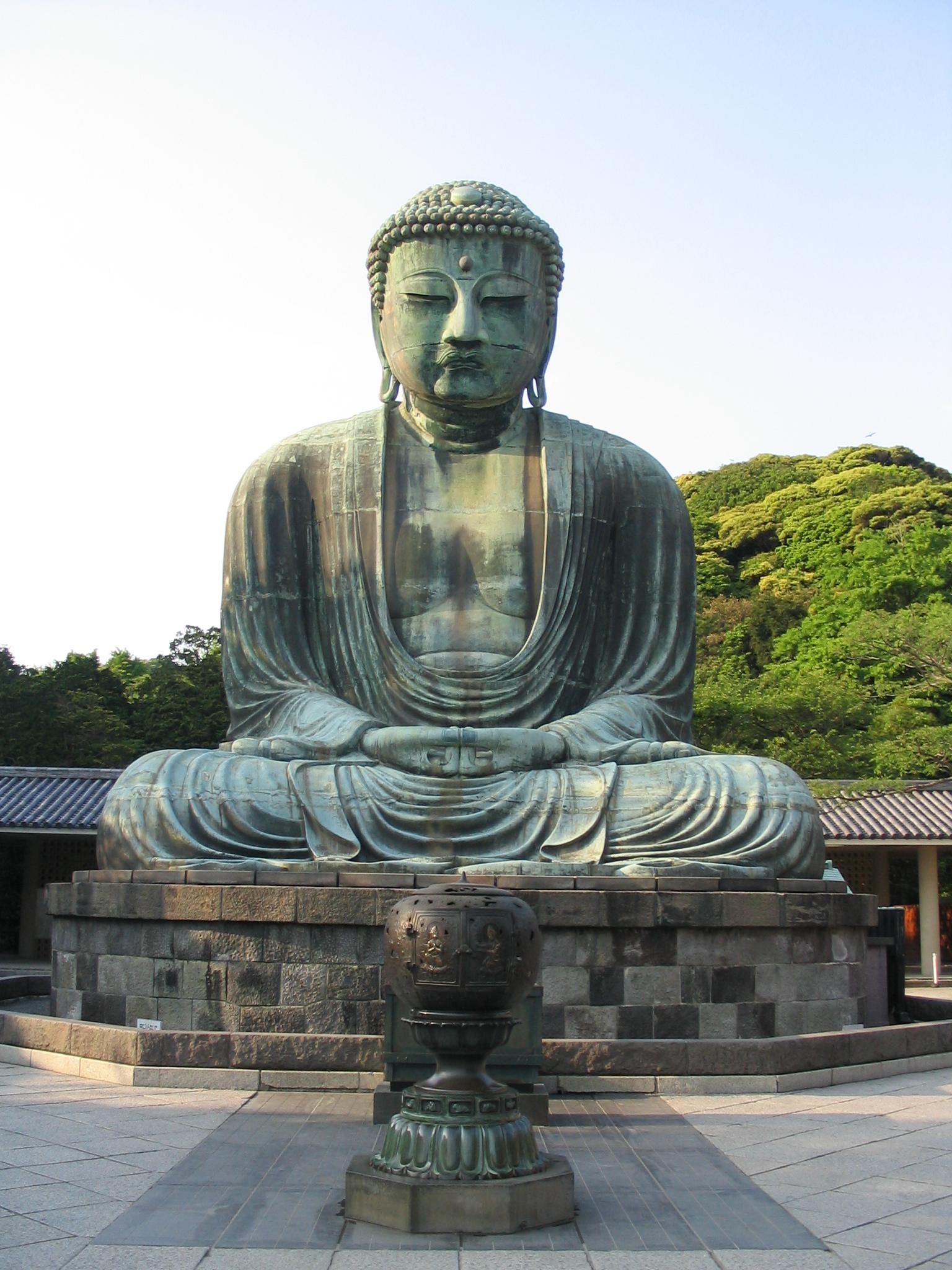 Скульптурные изображения будды