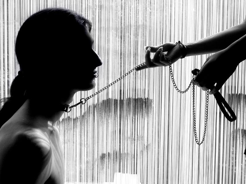 Рабыня в БДСМ подчинение рабыни унижение рабыни рабыня