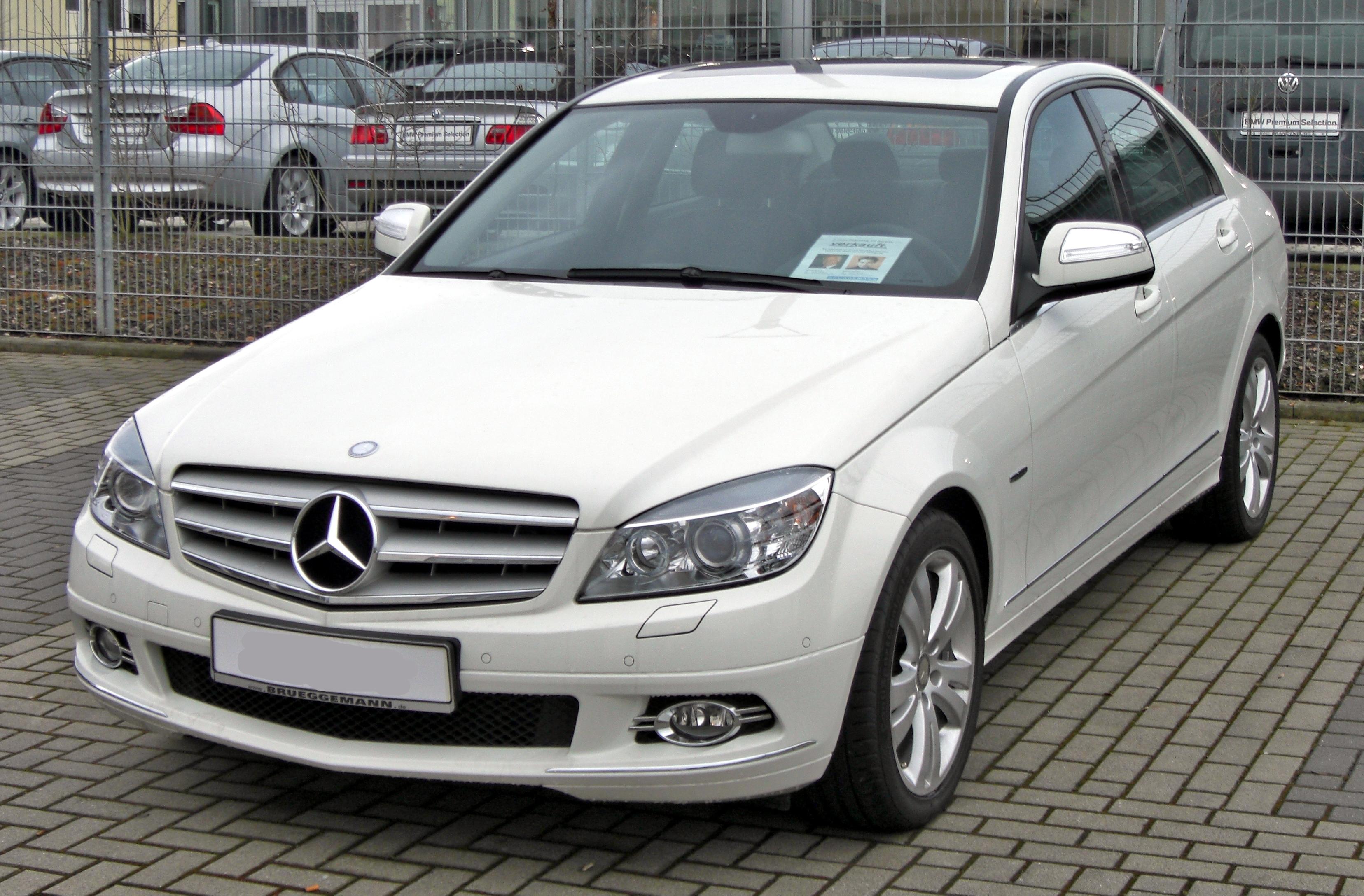 Mercedes_C-Klasse_Avantgarde_20090221_front.jpg