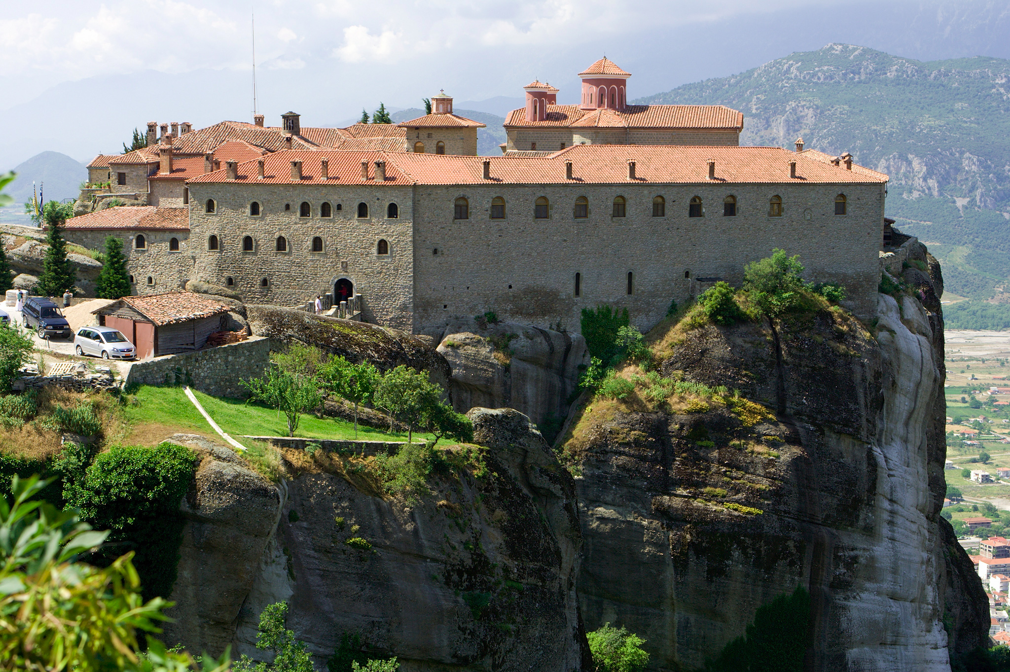 http://dic.academic.ru/pictures/wiki/files/77/Meteora_Agio_Stefano_IMG_7713.jpg