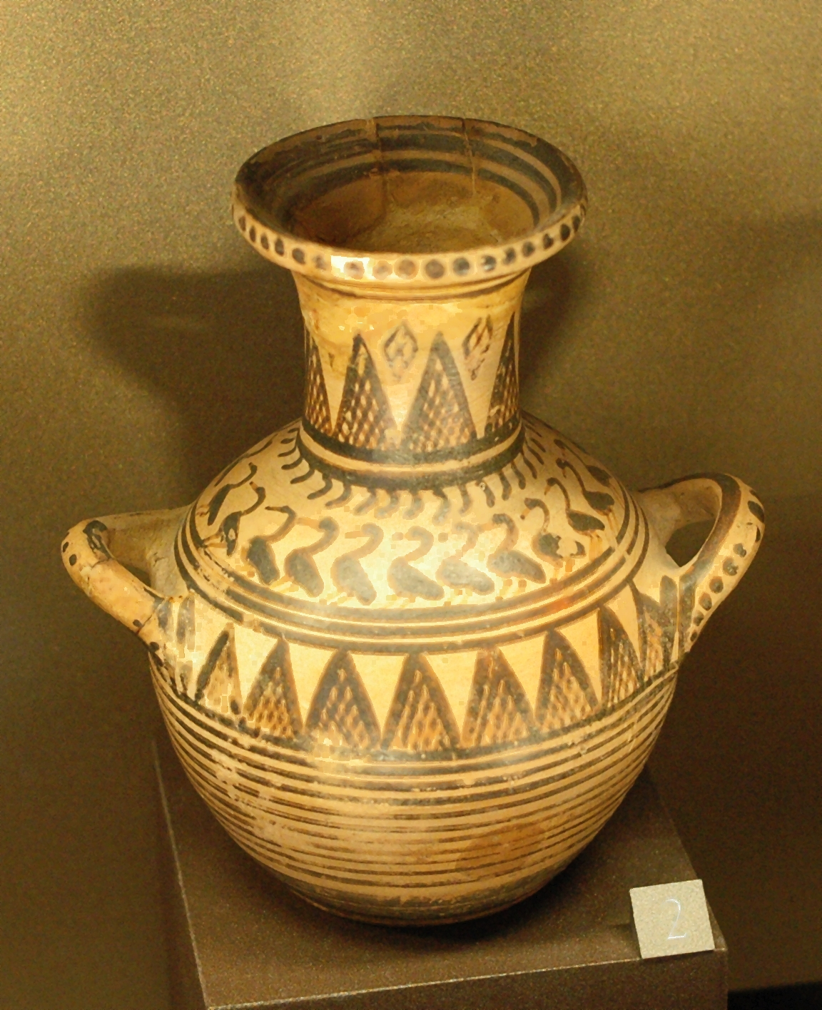 http://dic.academic.ru/pictures/wiki/files/77/Miniature_hydria_Thebes_Louvre_A566.jpg