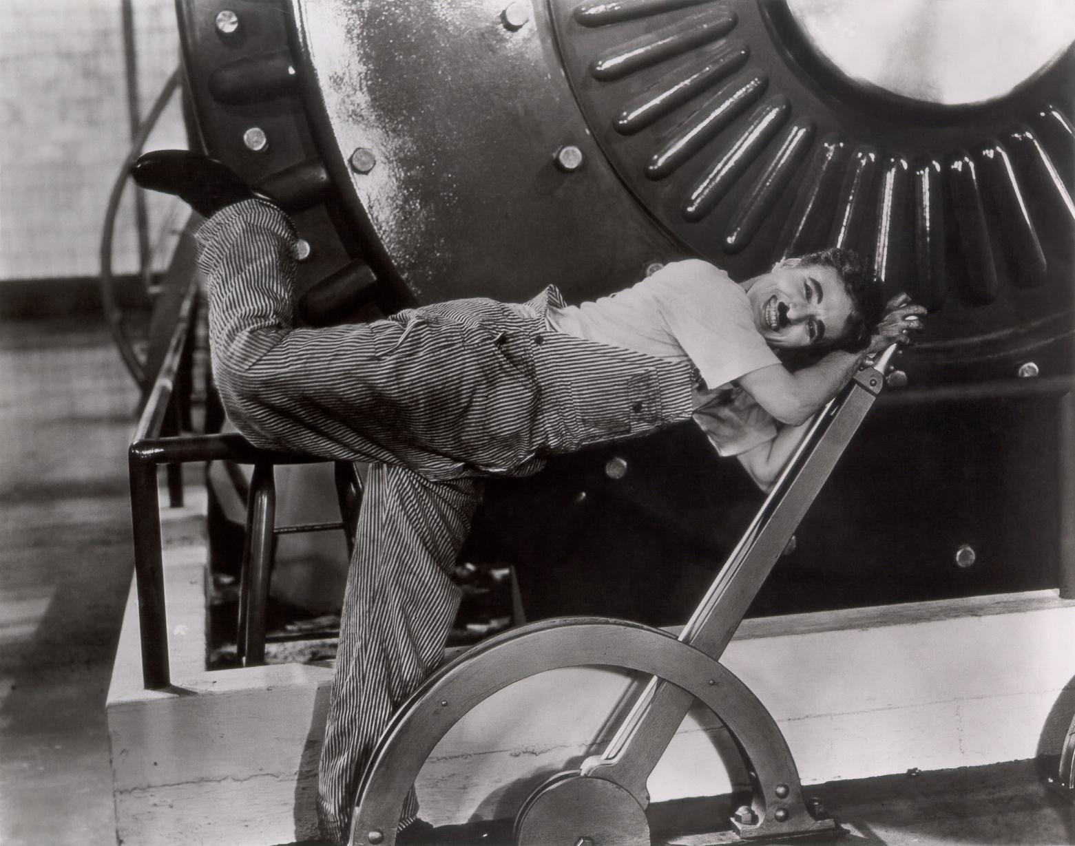 Новые времена (фильм, 1936): dic.academic.ru/dic.nsf/ruwiki/1581388
