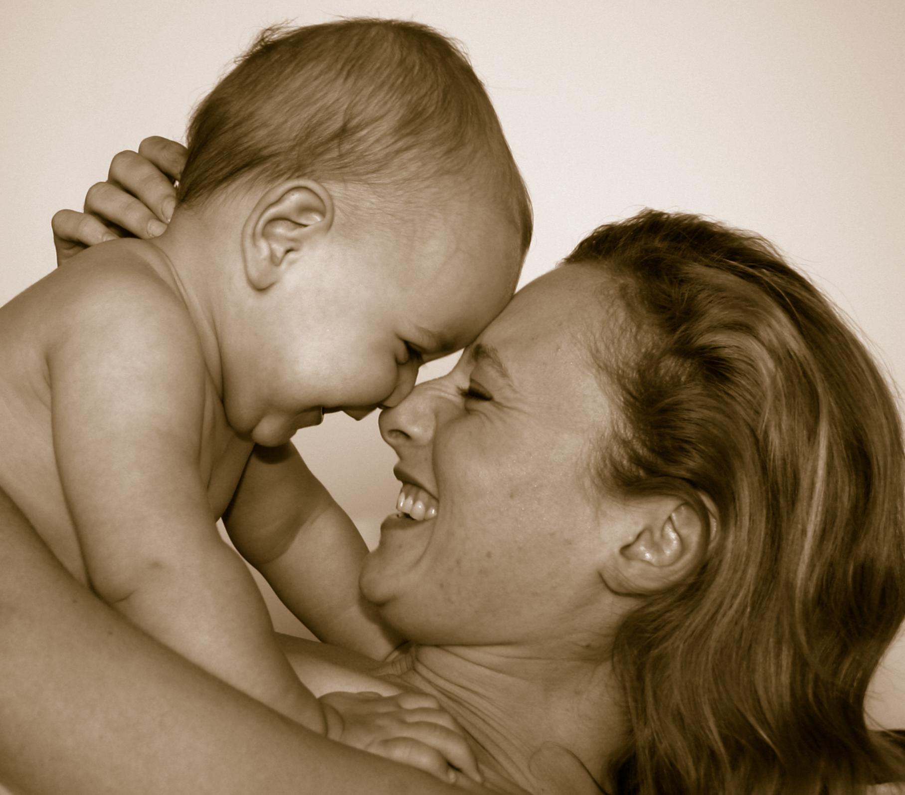 Фото син їбе маму на природі 28 фотография