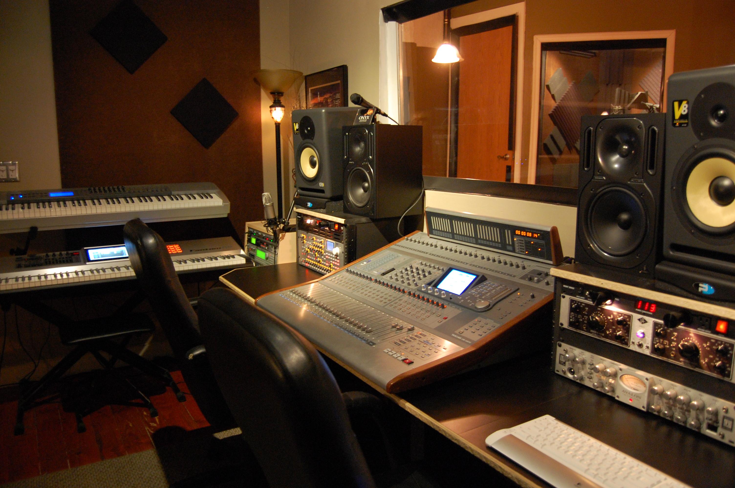 Фото со студии